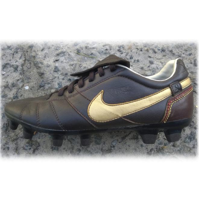 Nike Tiempo 10R 40 1024